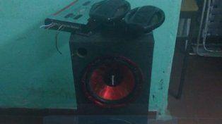Costosos equipos. En calle El Resero se robaron elementos del interior de un auto.