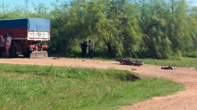 Motociclista murió tras chocar contra un camión
