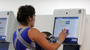 Oficializaron el plus de $ 1.500 para la Asignación Universal por Hijo