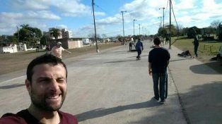 Agustín y una selfie en el predio Multieventos.