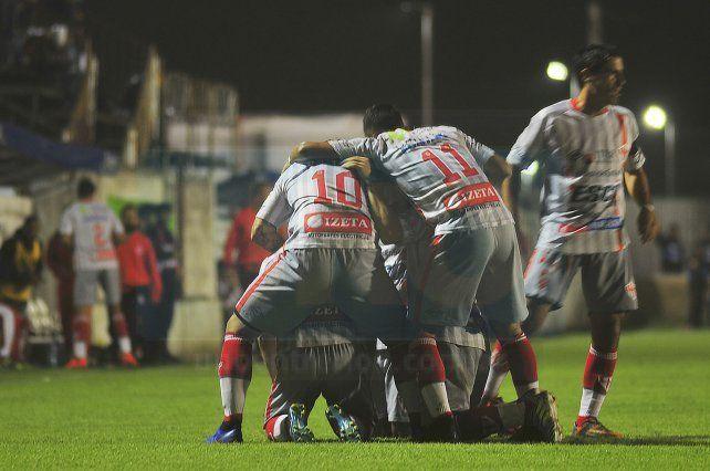 Equipo que gana, no se toca en Atlético Paraná