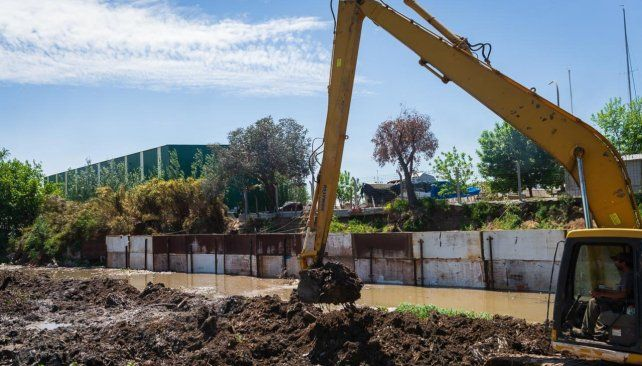 Obras de saneamiento en balneario Thompson
