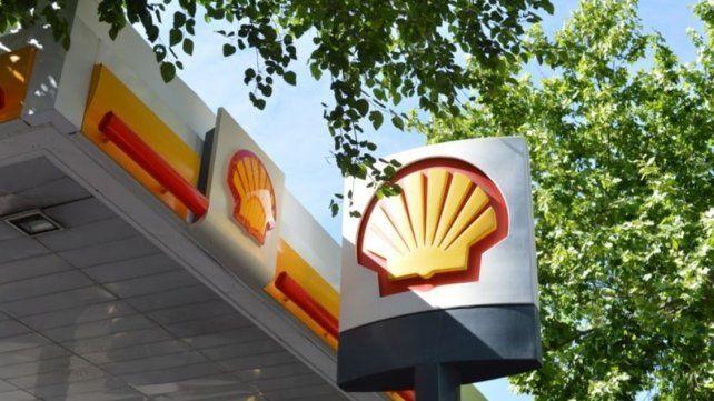 Licenciataria de Shell también bajó un 1,5% las naftas pero aumentó el gasoil