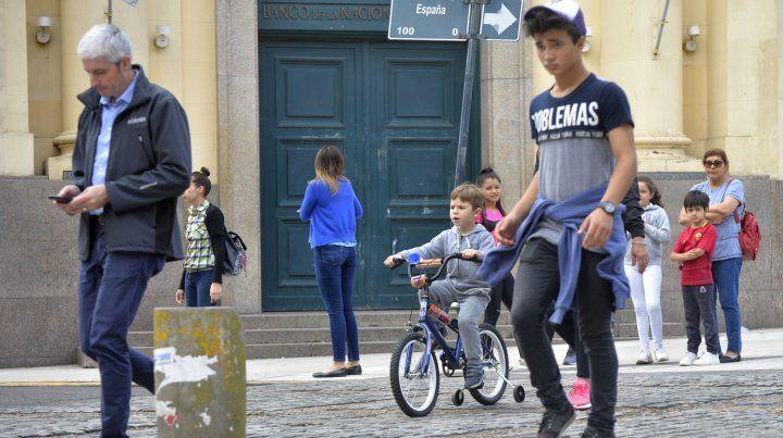 Que el niño pueda andar en bici es una buena señal para la ciudad. Foto / Archivo.