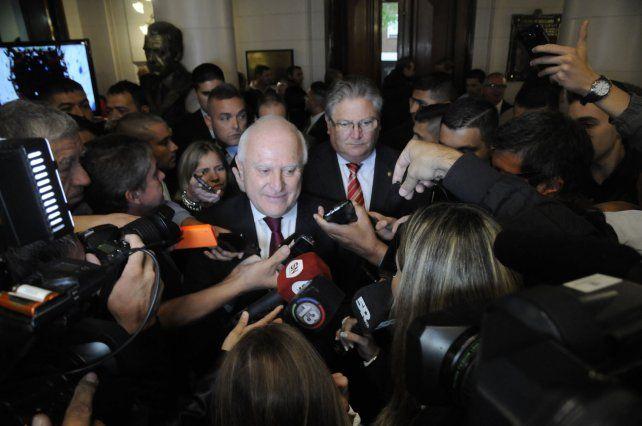 Contrapunto. El gobernador no vio con buenos ojos la resolución que adoptó la ministra de Bullrich