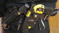 nuevo protocolo de seguridad: en caba ya se analiza la implementacion de las pistolas taser