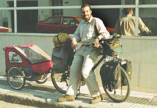 Muchachos en bicicletas. 31/07/2002