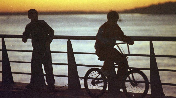 La bici lleva al skate.21/05/2005