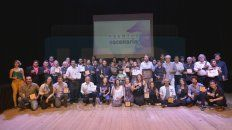 Festejo. Todos los ganadores de la noche coronaron la gala con un brindis sobre las tablas, cerrando así la edición 2018 del Premio Escenario.
