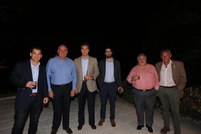 El gerente general de Diario UNO de Entre Ríos Alejandro Cartasso junto con funcionarios y empresarios.
