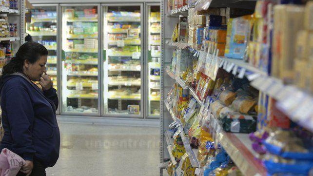 Suspenden en Paraná la habilitación de supermercados por noventa días