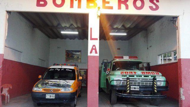 Mientras ayudaban a damnificados por la tormenta robaron el cuartel de Bomberos de La Paz