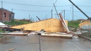 el viento destruyo viviendas y un jardin de infantes en san benito