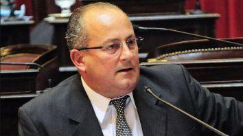 el senador radical denunciado por acoso rompio el silencio y se defendio en la sesion