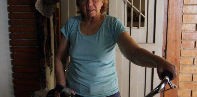 Una jubilada fue a comprar pan en bicicleta y la multaron por 14 mil pesos por no llevar casco