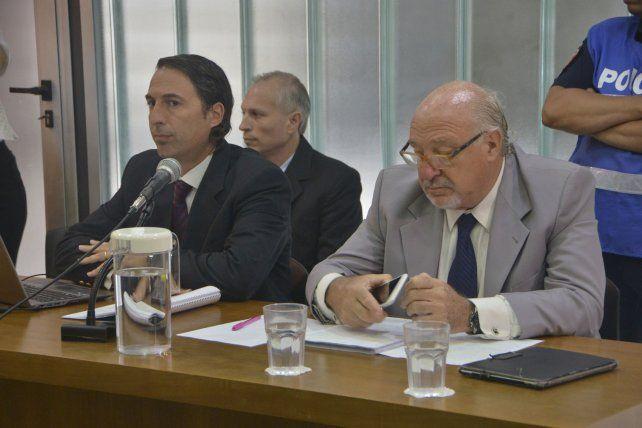 Inmutable. Francisco Marín aparece sentado detrás de sus defensores Leopoldo Lambruschini y Julio Federik.