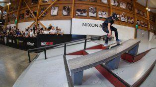 50-50 fs en un skatepark de Francia.