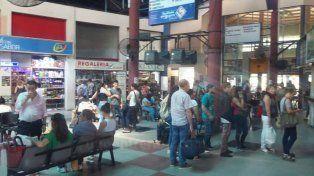 A pleno. A diario la Terminal recibe numerosos usuarios que van a comprar los pasajes con anticipación para asegurarse un lugar.