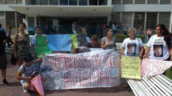 familiares de gabriel gusman piden que se impute a los policias que lo mataron