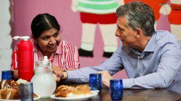 Margarita Barrientos recibió al presidente en el comedor del barrio Los Piletones.