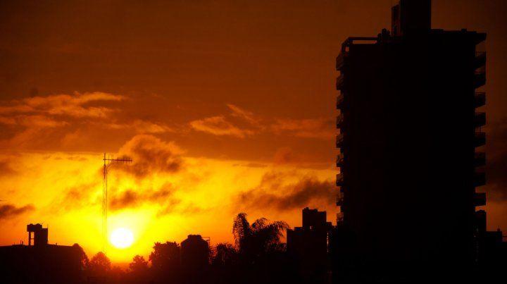 El solsticio llega hoy 21 de diciembre y alcanzará su pico máximo a las19.23 hora argentina.