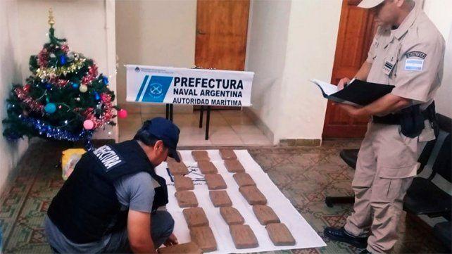 En la costa del río Paraná encontraron 20 kilos de marihuana