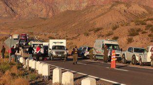 Mendoza: Desbarrancó un micro en Alta Montaña y hay muertos