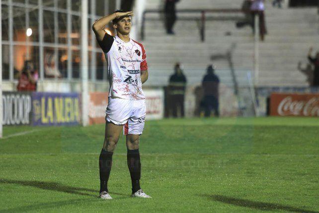 El delantero lleva 6 goles en el torneo.