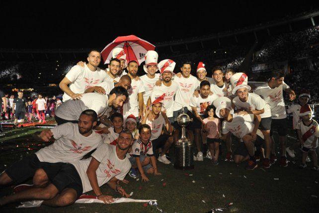 Los jugadores posaron para la foto.