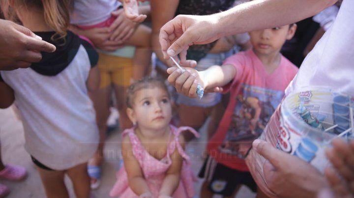 Suma de Voluntades con Padrinos de Navidad hizo posible la entrega de cientos de juguetes