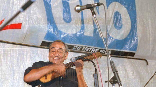 El maestro Jaime Torres en sus diferentes visitas a Paraná. (Foto: Archivo UNO)