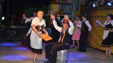 Tradición. Además de la música tropical, la fiesta hace honor a las raíces cerveceras alemanas.