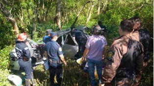 Dos personas murieron en un violento vuelco en la ruta 12