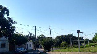 La cancha del barrio Libertad necesita aros y tableros
