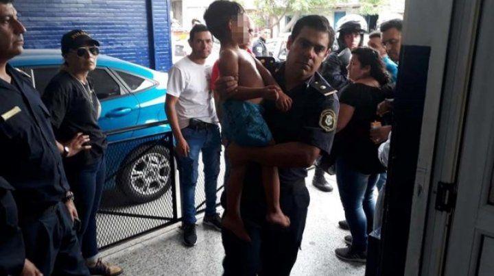 El nene en poder de la policía bonaerense.