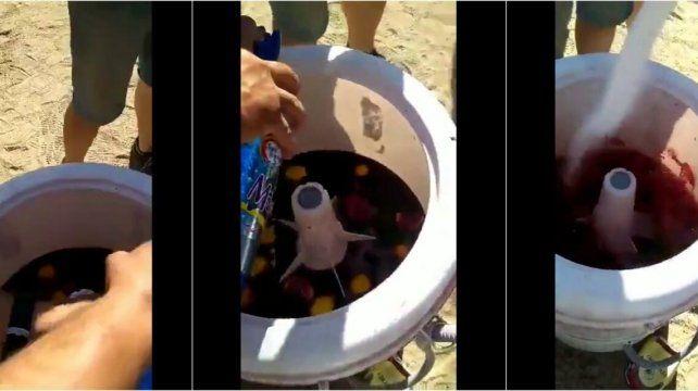 Córdoba: adaptaron un lavarropa viejo para preparar sangria
