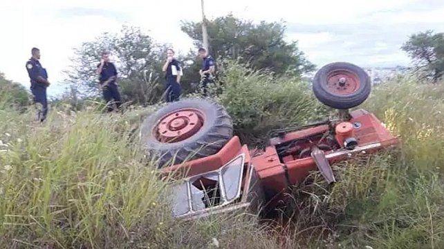 Falleció un trabajador rural al volcar su tractor