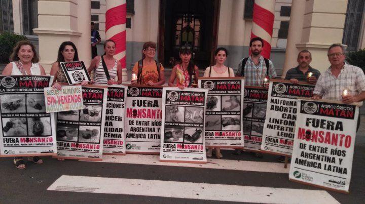 Antes de la lluvia en la Puerta de la Casa de Gobierno.