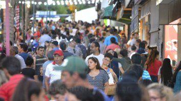 Movimiento dispar. Hubo mucha gente mirando, pero la mayoría gastó menos que en Fiestas anteriores, tanto en efectivo como con tarjeta.