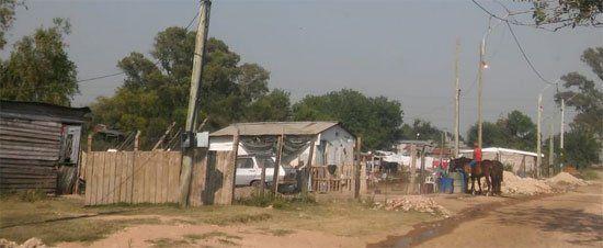 Precariedad. La falta de viviendas hace de las casillas un lugar para vivir. Hay preocupación por el crecimiento de este fenómeno.
