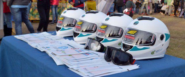 Se entregaron más de 1300 cascos para motociclistas en la provincia