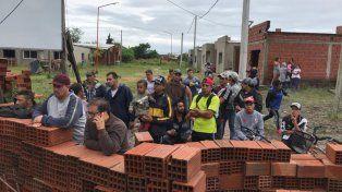 Concepción del Uruguay: Familias de un asentamiento usurparon un barrio sin terminar