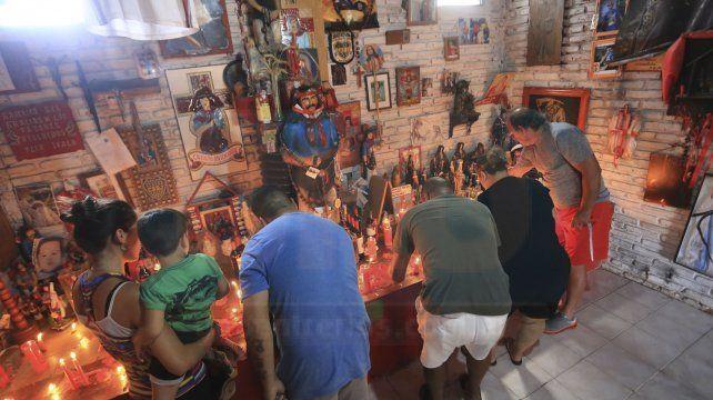 Fiesta popular, música y homenajes para venerar al Gauchito Gil en Paraná