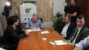 La provincia formalizó convenios con las comunas para subsidiar el transporte urbano