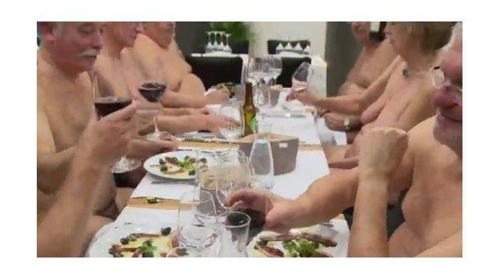 El primer restaurante nudista del mundo cerrará sus puertas porque el negocio no funcionó