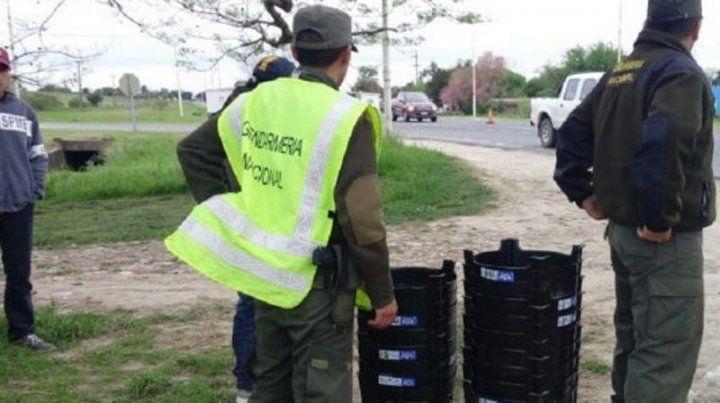 Ocultos. Los 30 ladrillos de marihuana estaban escondidos en banquetas de plástico