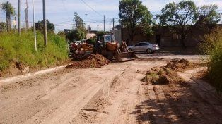 Comenzaron los trabajos de asfaltado en calle Tomás Guido