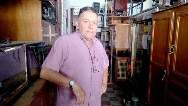 Miguel quiere vender todo para cerrar la compraventa que inició su abuelo.