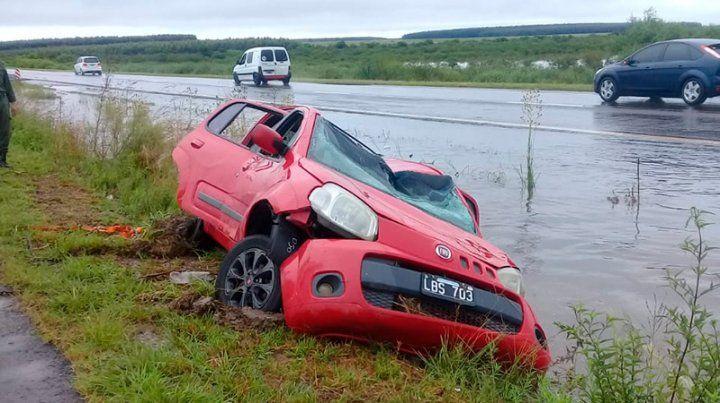 Así quedó el auto luego del despiste.
