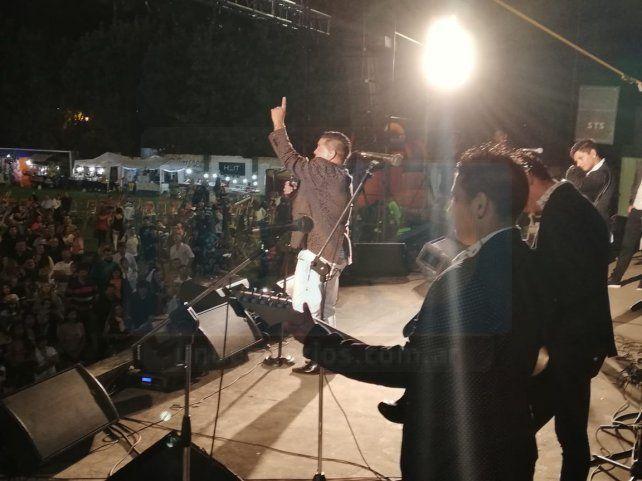 La 1° noche de la Fiesta Provincial de la Cerveza cerró con baile bajo la lluvia